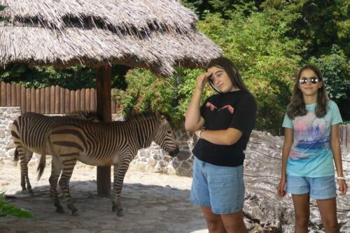 Laura K.  Ema H. – V zoo